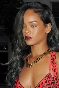 small_Rihannae6