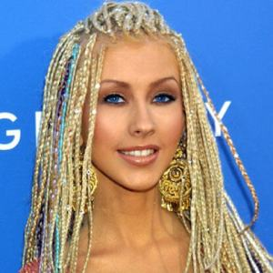 Christina-Aguilera-Color-Beaded-Micro-braids