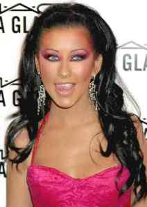 christina_aguilera_sultry_dark_hair