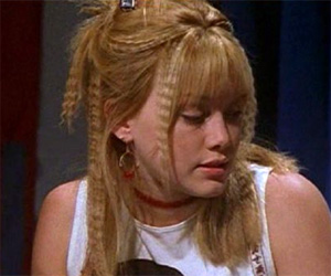 lizzie-mcguire-crimped-hair