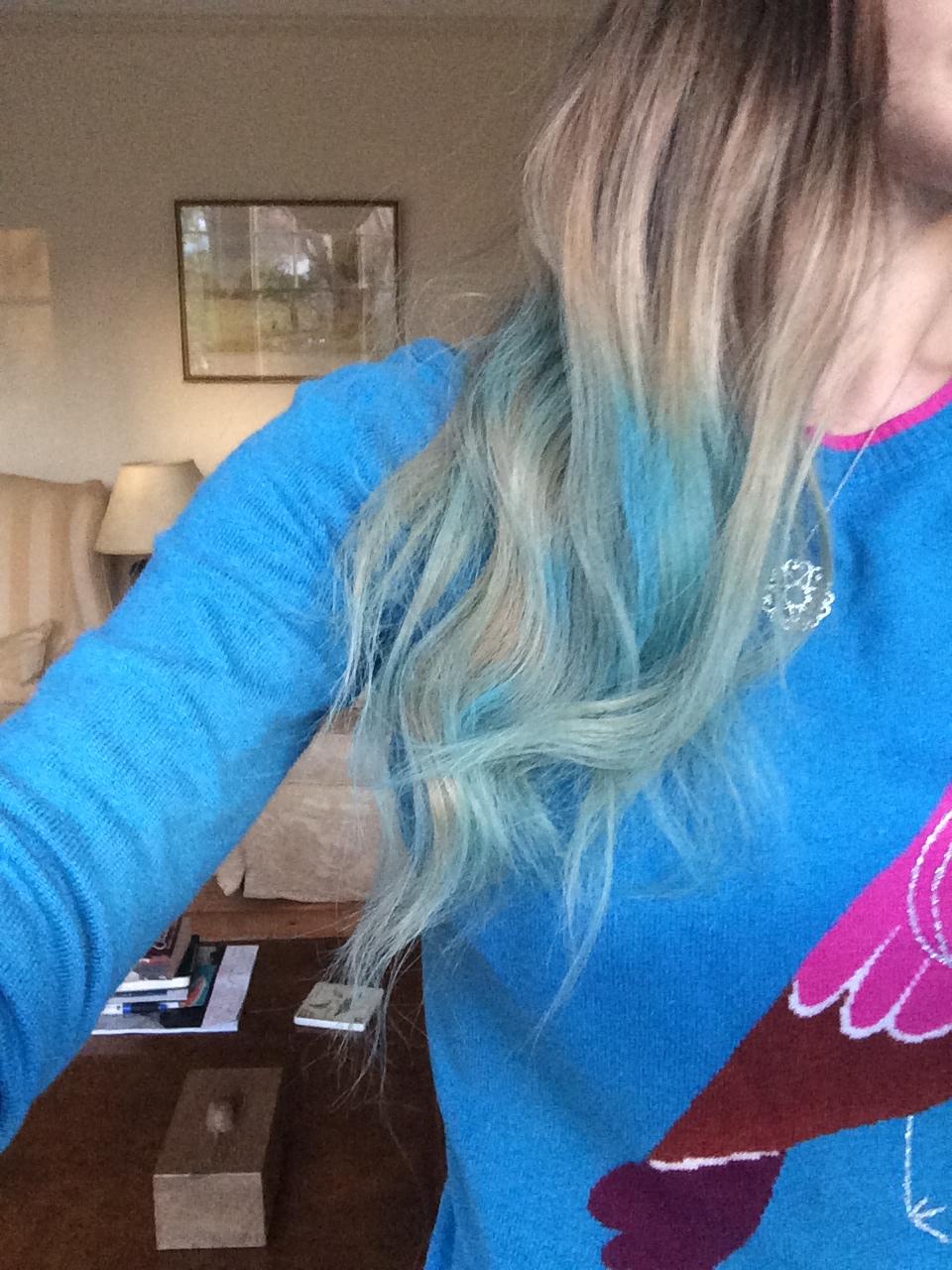 Hair Chalk Spray Review | makeupbybarbz